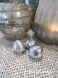 Elegante Möbelknöpfe aus Metall, silber